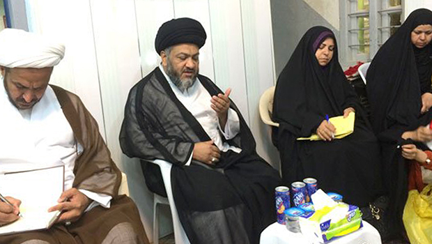 Photo of The Grand Ayatollah Sayed Shirazi's office in holy Najaf receives a delegation of female teachers from the Iraqi city of Diwaniya