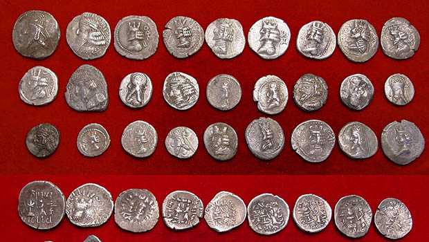 Photo of Museum of Imam Redha Holy Shrine receives 500 ancient coins from different countries