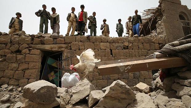 Photo of Saudi fighter jets storm areas across Yemen