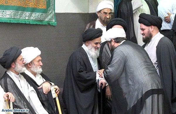 Photo of Ayatollah Sayed Hussein Shirazi visits wounded worshipers of Kuwait Shia mosque
