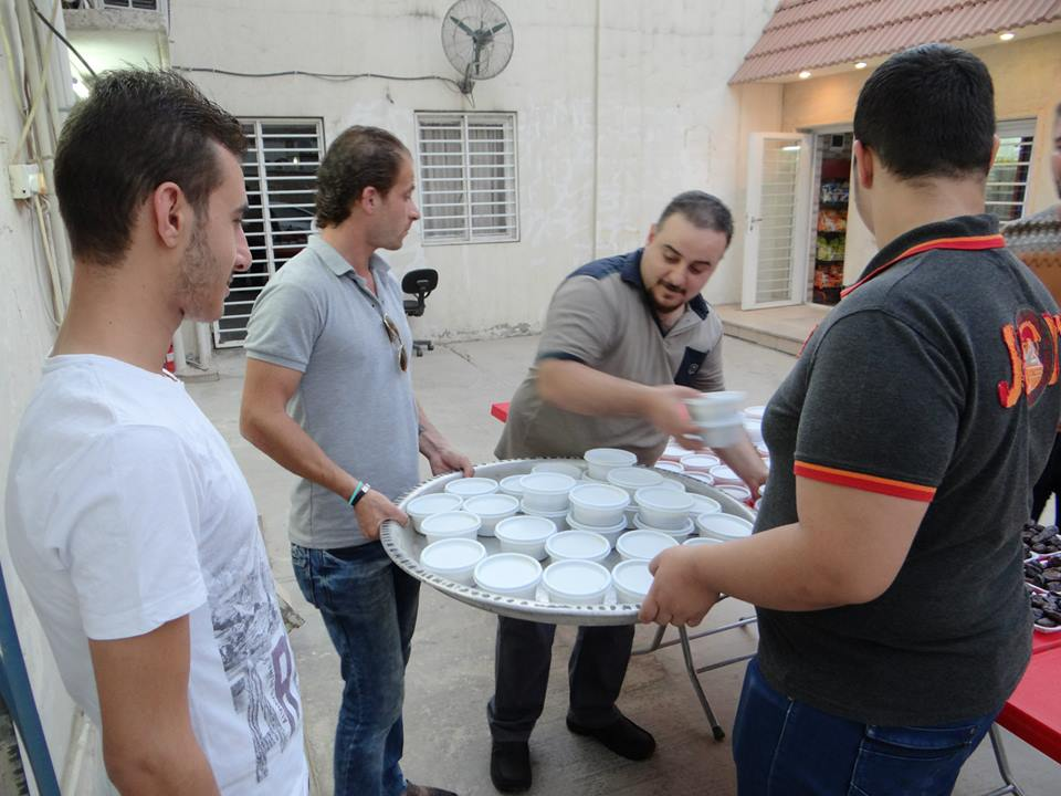 Photo of Iraqi Christians invite Muslims to Iftar