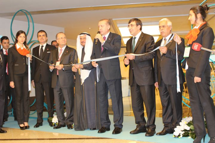 Photo of Research center for Islamic history in Kazan opens exhibition for Islamic calligraphy
