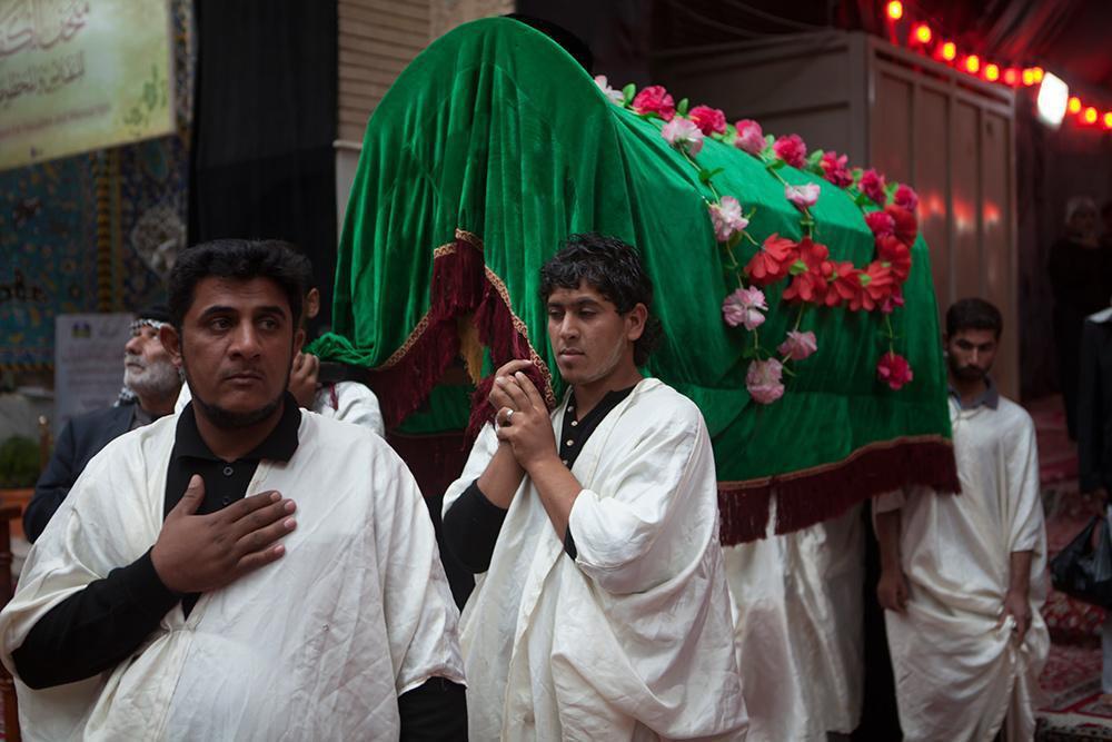 Photo of Muslims mark martyrdom anniversary of Imam Sajjad, peace be upon him