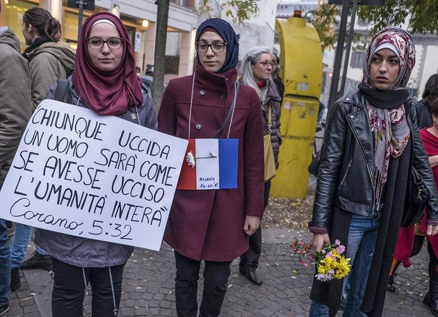 Photo of Thousands use #MuslimsAreNotTerrorist to combat Islamophobia