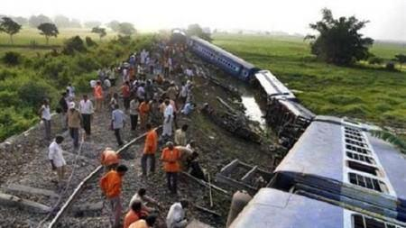 Photo of Pakistan train accident death toll climbs to 19