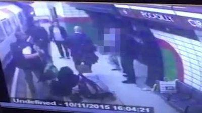 Photo of Man pushes Muslim woman into oncoming underground train in London