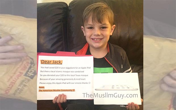 Photo of Small boy who donated his savings to vandalized mosque receives a generous thank you