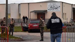 Photo of French soldiers fire on car attacker outside mosque