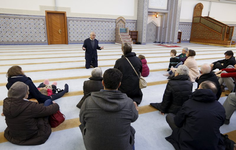Photo of Hundreds visit France mosques open day