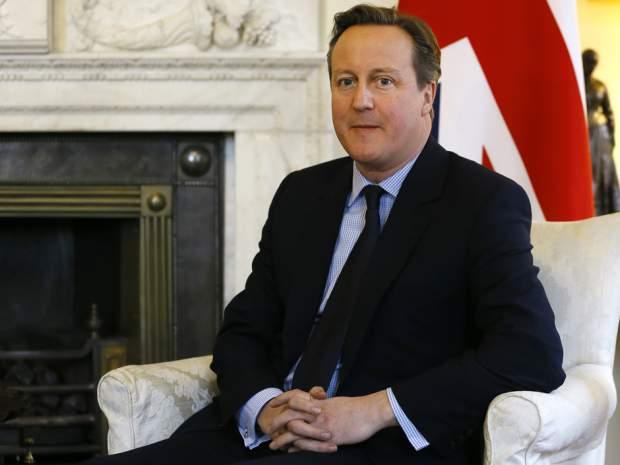 Photo of Cameron threatens to deport Muslim women