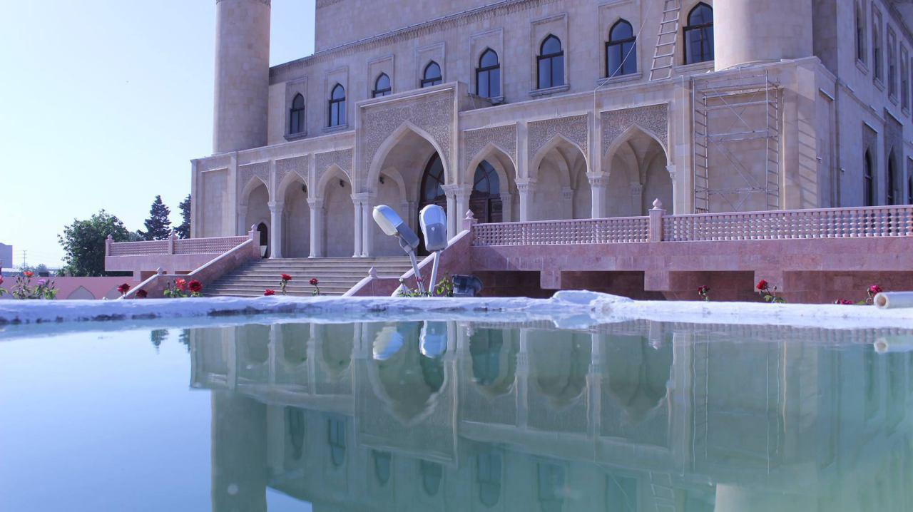 Photo of Police in Azerbaijan prevents Shia Muslims from visiting Lady Raheema Khatoun Holy Shrine
