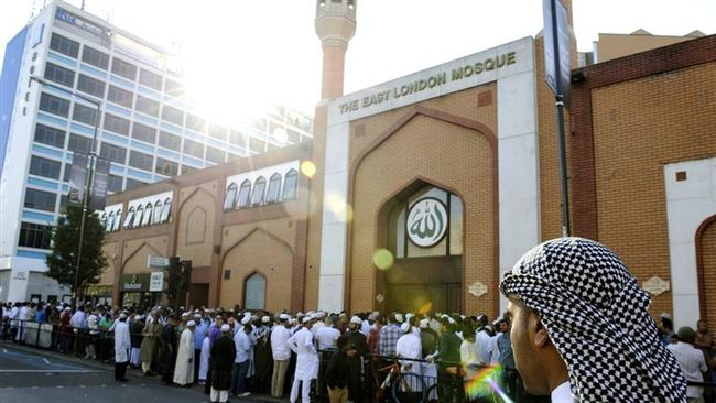 Photo of Scores of mosques in UK to open doors over Islamophobia