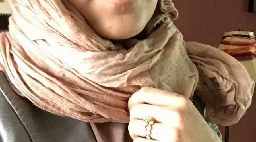 Photo of Nebraska bank denies entry to Muslim woman for wearing Hijab