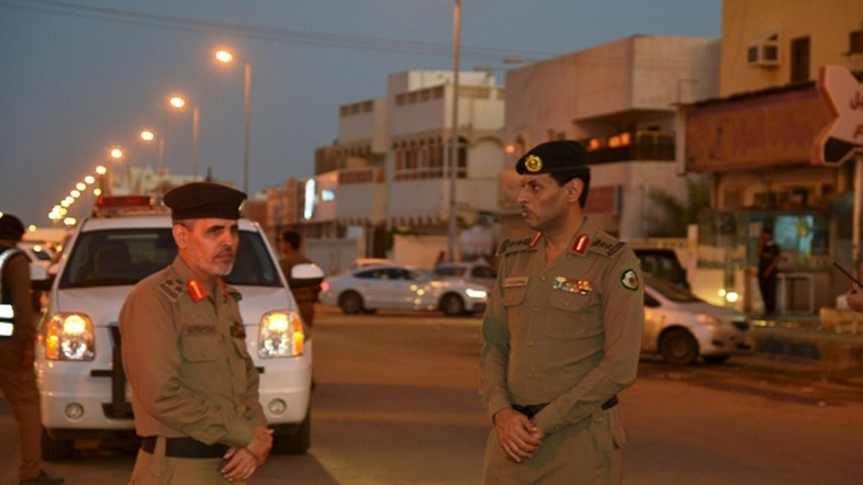 Photo of Saudi security forces confirm arresting person in charge for the Ahsaa terrorist attack