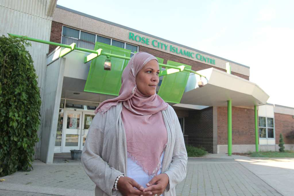 Photo of Windsor teacher threatened for wearing a hijab