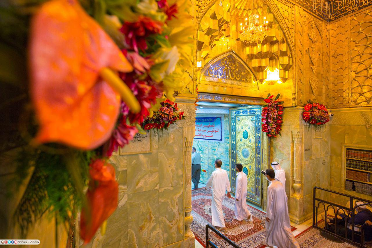 Photo of Distribution of 22000 roses in the holy shrines in Iraq for birth anniversary of Imam Mahdi