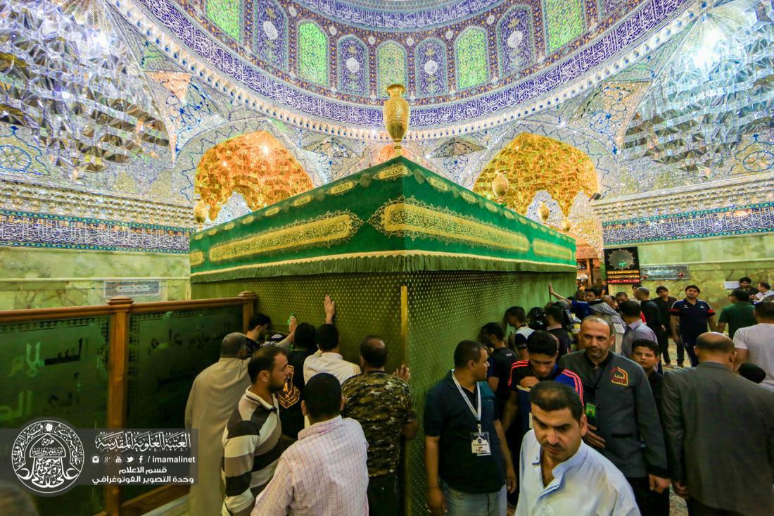 Photo of Hundreds visit al-Askariyain Holy Shrine in annual free trip