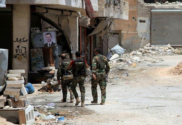 Photo of Seventy killed in battles north of Syria's Aleppo