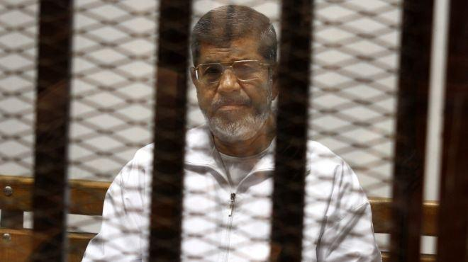 Photo of Egyptian court puts Morsi on terrorist list for first time