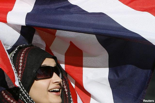Photo of Hijab-wearing Muslim women face discrimination in UK