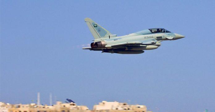 Photo of Saudi jets conduct over 65 airstrikes in Yemen