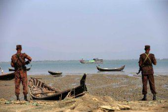 Photo of Rohingya Muslims continue to flee to Bangladesh as violence spreads in Myanmar