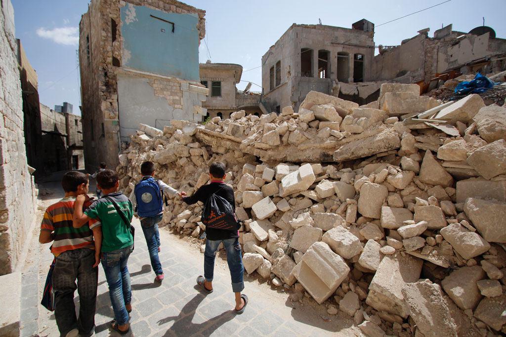Photo of Half a million children live under siege in Syria