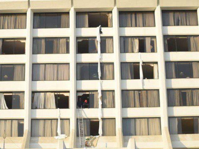 Photo of 11 killed, 75 injured as fire erupts at Karachi's Regent Plaza Hotel