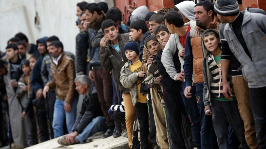 Photo of Over 100,000 Iraqis escape ISIS
