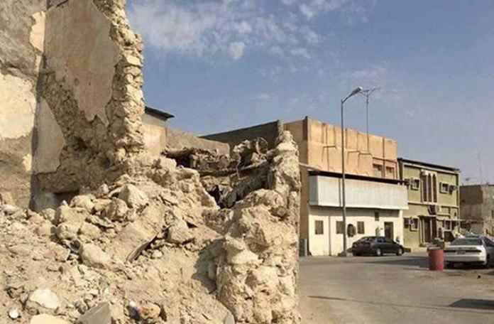 Photo of Saudi authorities begin demolishing an ancient Shia neighborhood in Qatif