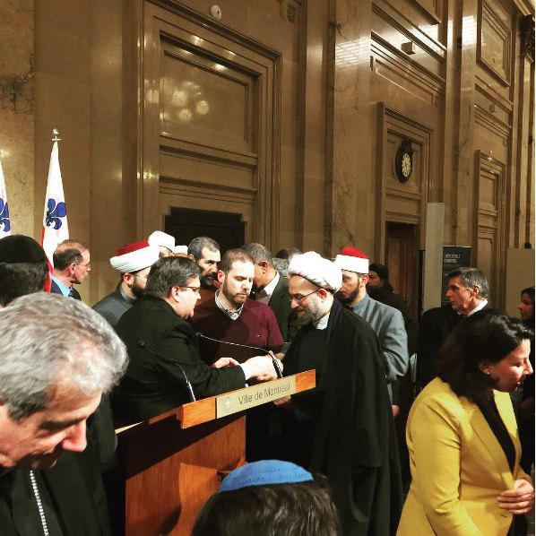 Photo of Muslim community leaders meet with Montreal mayor in support of Muslim community after Quebec attack