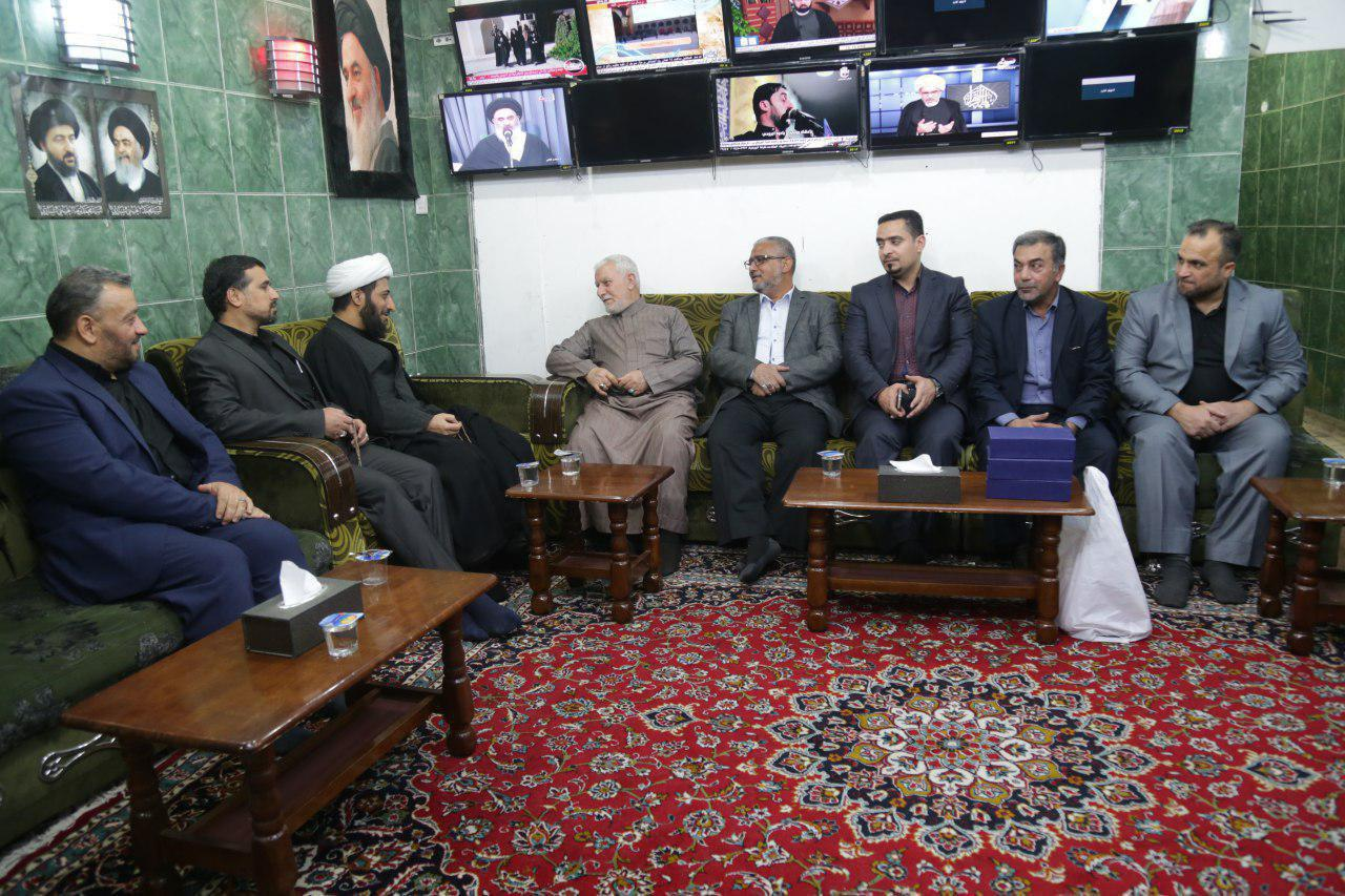 Photo of Imam Hussein TV Group awarded in Holy Karbala
