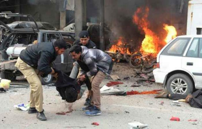 Photo of Suicide bombing in Lahore kills at least four, Pakistan Taliban claims attack