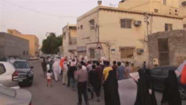 Photo of Bahrainis rap death sentences, hefty jail terms for anti-regime activists