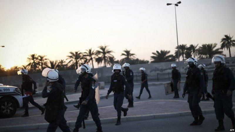 Photo of Bahraini regime forces attack Shia protesters south of Manama