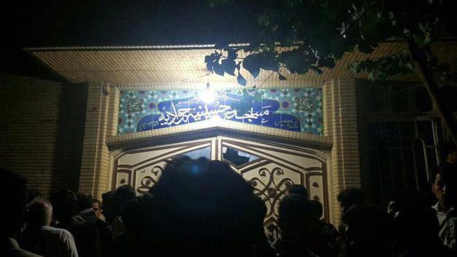 Photo of Suicide bombers target Shia mosque in Herat city