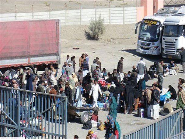Photo of Shelter-less Shia pilgrims stuck at Pakistani Taftan border for more than 2 weeks