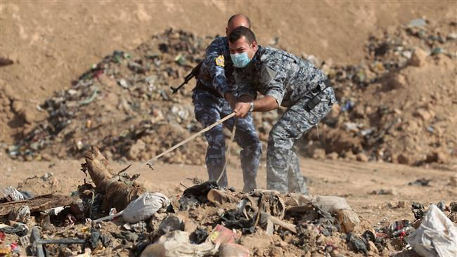 Photo of Iraq military discovers mass graves of 500 Daesh victims near Mosul