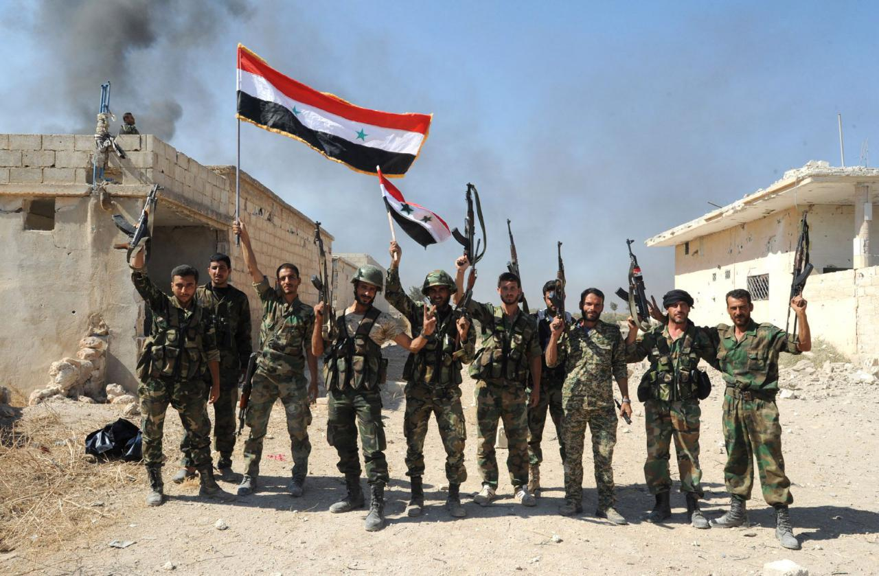 Photo of Syrian troops breach 3-year Islamic State siege on eastern city of Deir el-Zour