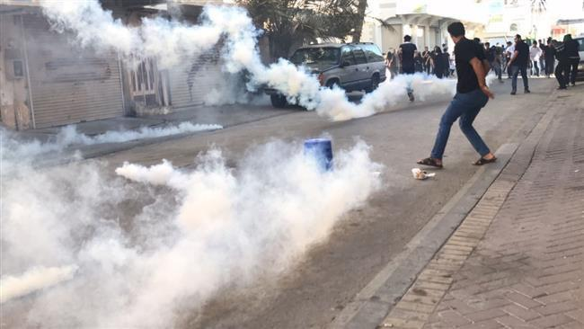 Photo of Bahraini regime forces attack mourning Shia Muslims on Ashura