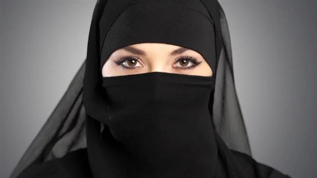 Photo of Quebec bans Muslim women full-face veils