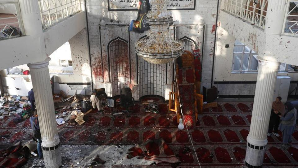 Photo of Bombings hit two Shia mosques in Afghanistan, 72 killed