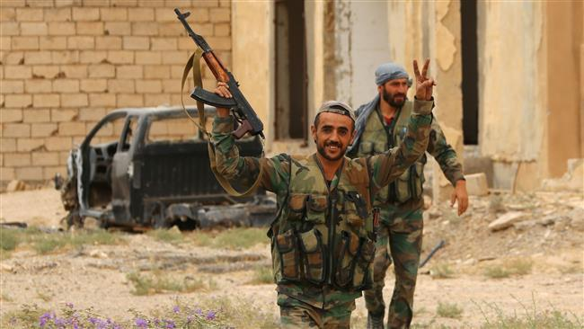 Photo of Syrian army troops, allies liberate central town in Homs from Daesh