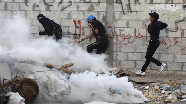 Photo of Bahraini court gives jail term to activist's family