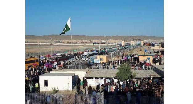 Photo of Pakistani pilgrims' movement problems on Iranian border solved
