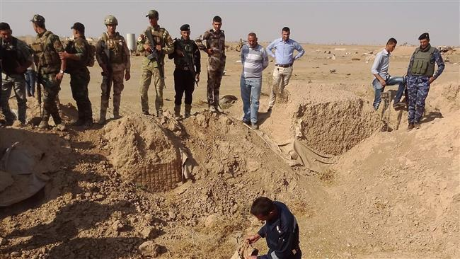 Photo of Iraqi forces unearth mass graves of 400 Daesh victims in Hawijah: Official