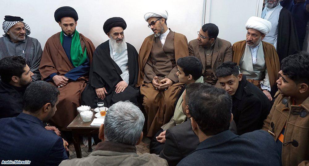 Photo of Grand Ayatollah Shirazi receives crowds of Seminary students and scholars from Iraq