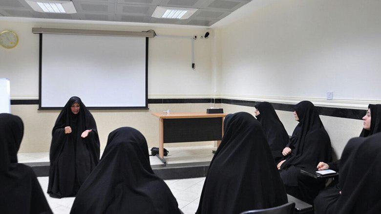 Photo of Imam Hussein Shrine hosts female religious students from Turkey