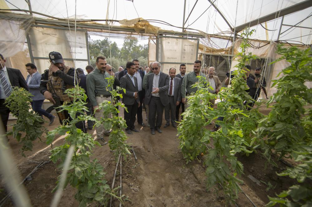 Photo of Minister of Water Resources praises the modern irrigation techniques used in al-Abbas Holy Shrine farms