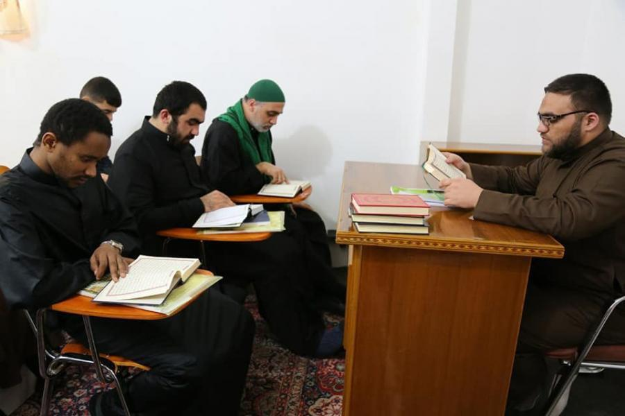 Photo of Imam Ali Quranic Institute begins a Quranic course for foreign students